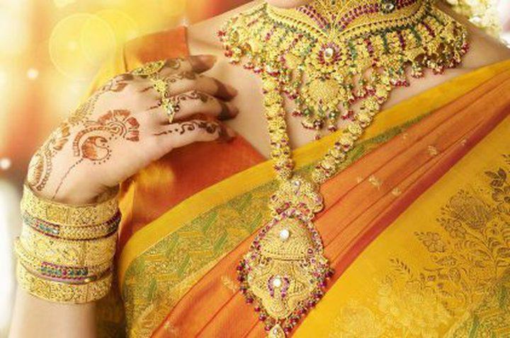 غرائب عن المرأة الهندية والذهب!