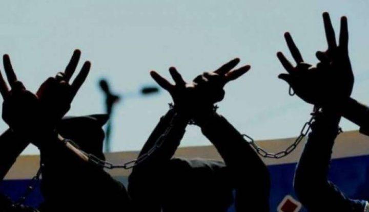 5 أسرى يواصلون اضرابهم عن الطعام