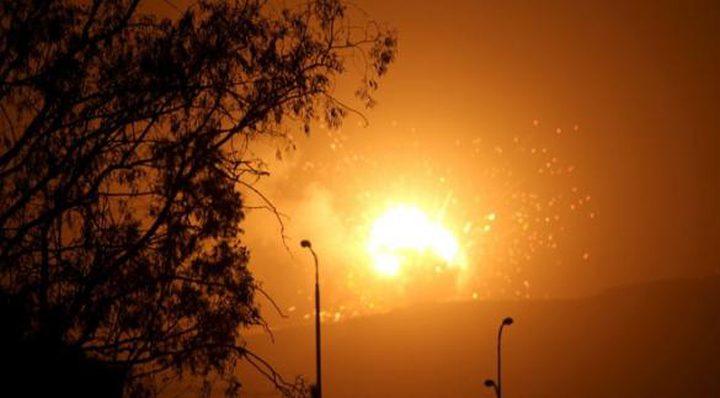 احتراق آلة تجريف لقوات الاحتلال شرق دير البلح
