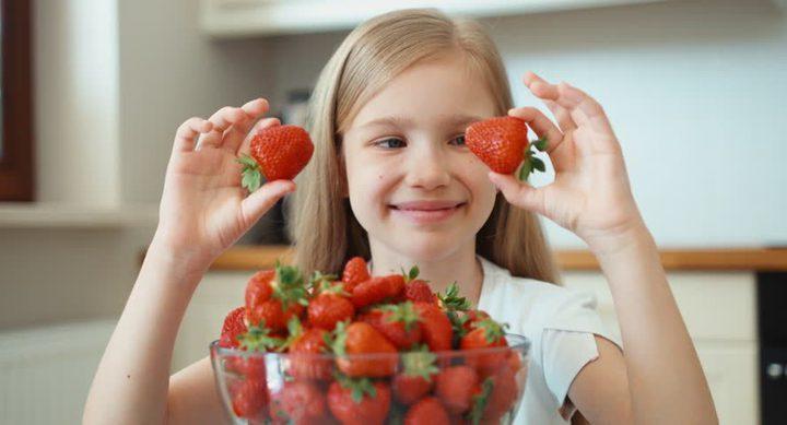 """أطعمة تساعد على تحسين المزاج وإفراز """"هرمون السعادة"""""""