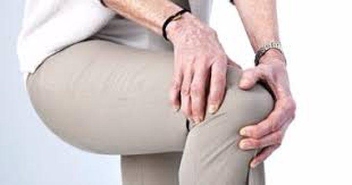 آلام الركبة لدى كبار السن تفاقم أعراض الاكتئاب