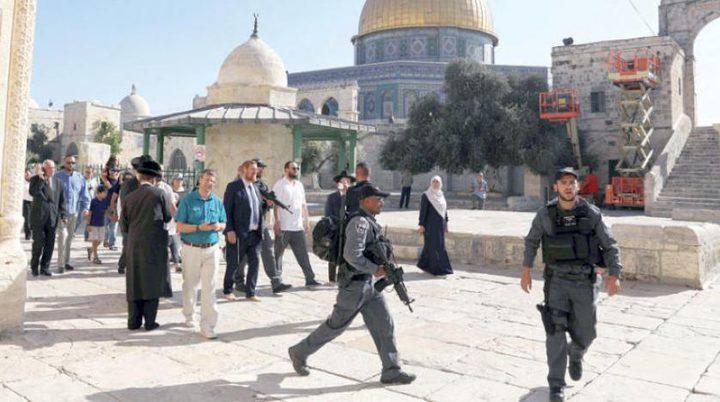 فتح تُحذّر من محاولات الإحتلال المتكررة للمساس بالمسجد الأقصى وكنيسة القيامة