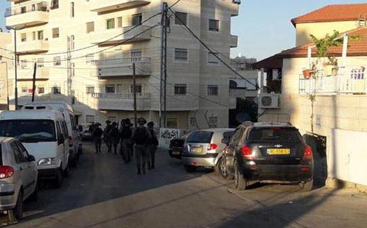 """الاحتلال يقتحم ضاحية """"راس خميس"""" ويعتقل شاباً"""