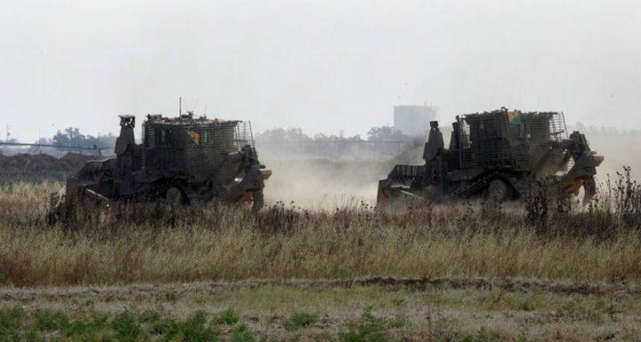 توغل لآليات الاحتلال جنوب وشمال قطاع غزة