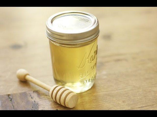 وصفة العسل الأبيض لعلاج حب الشباب