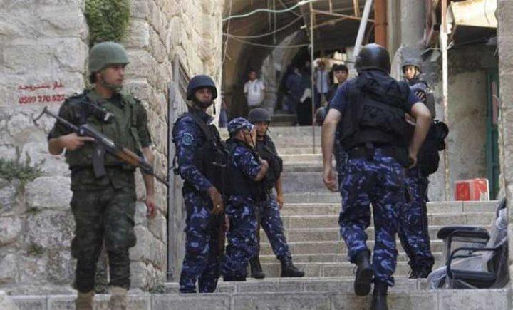 قوات الاحتلال تداهم العيسوية وتشدد من إجراءاتها