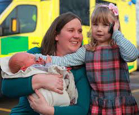 طفلة تنقذ والدتها من الموت!