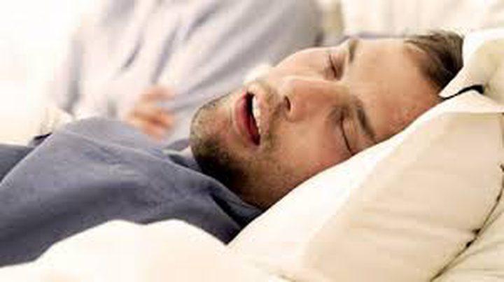 """طرق للتغلب على """"الشخير أثناء النوم"""""""