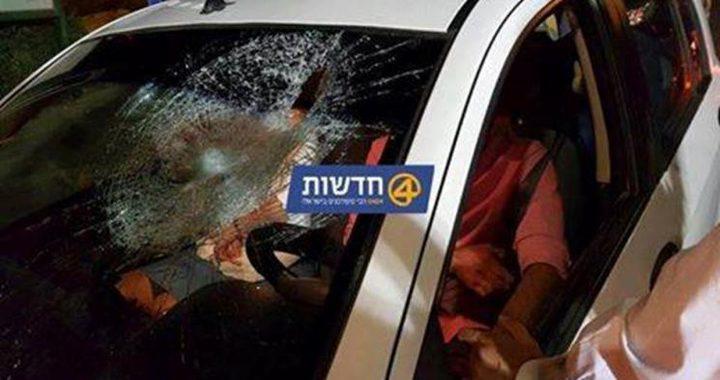 الإحتلال يزعُم أن حافلة مستوطنين تضرَّرت بسبب رشقها بالحجارة شمال الخليل