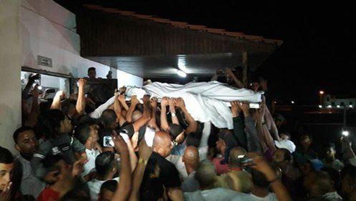 """قوات الاحتلال تسلم جثمان الشهيد """"السراديح"""""""