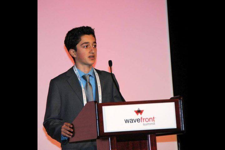 وليد صوان ... شاب فلسطيني يمثل كندا في معرض عالمي