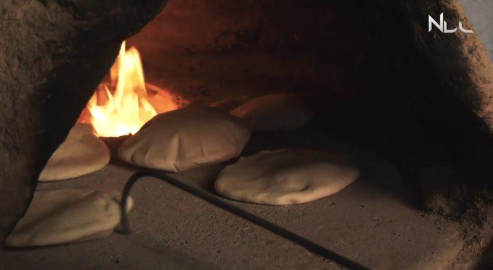 """""""خبز الطابون""""من التراث الشعبي الفلسطيني"""