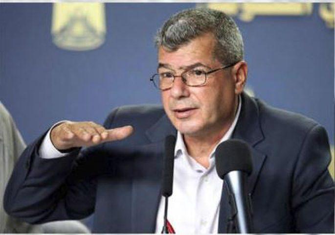الرئيس أبو مازن: أنت تقود دولة عظمى تسمى فلسطين