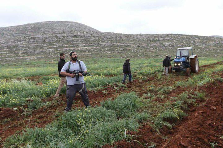 مستوطنون يهاجمون أهالي بلدة ترمسعيّا(صور)