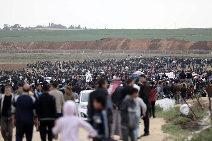 """تهديدات الاحتلال لم ترهبهم.. """"على هذه الأرض ما يستحق الحياة"""""""