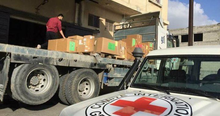 الصليب الأحمر يواصل تقديم مساعدات طبية عاجلة في غزة
