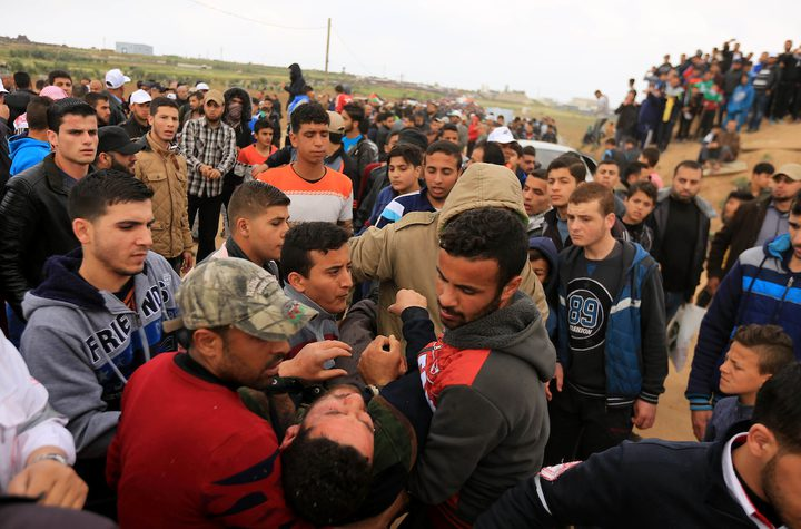 إصابة 11 شاباً خلال مواجهات مع الاحتلال على حدود غزة (محدث)