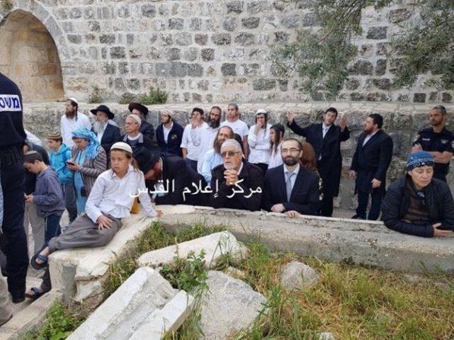 109 مستوطن يقتحمون باحات المسجد الاقصى