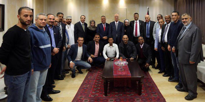 الحمد الله يطلع وفدا من جامعة الدول العربية على أخر التطورات السياسية وانتهاكات الاحتلال