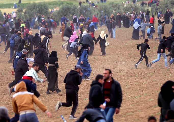 """هآرتس: """"إسرائيل"""" فشلت أمام الجماهير الفلسطينية على حدود غزة"""