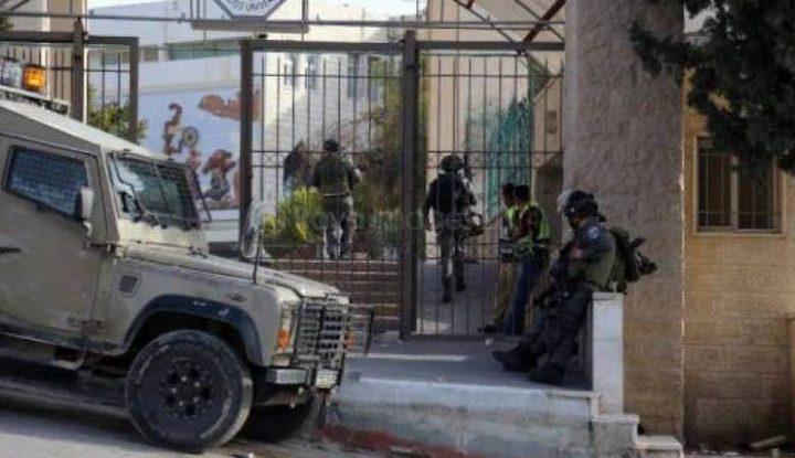 98 إصابة خلال مواجهات مع قوات الاحتلال أمام جامعة القدس