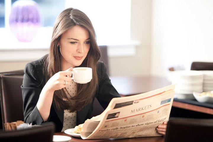 كيف تستمتع بالقهوة دون الإضرار بأسنانك!