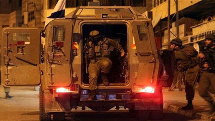 حملة مداهمات واعتقالات في محافظات الضفة