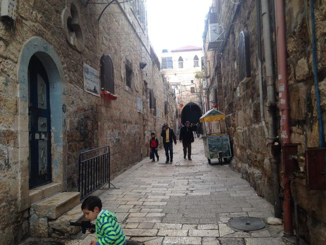 الاحتلال يعتقل شابين من البلدة القديمة في القدس