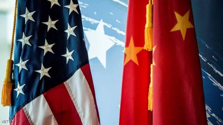 الدولار ينخفض مع تفاقم نزاع تجاري بين الصين وأمريكا