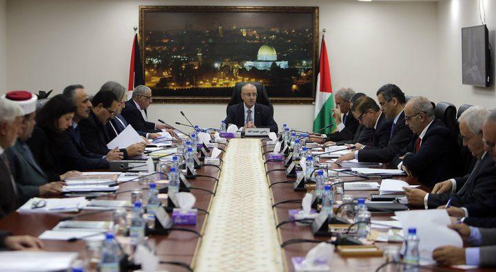 مجلس الوزراء يطالب بفتح تحقيق دولي ويؤكد على طلب الرئيس بتوفير الحماية لشعبنا