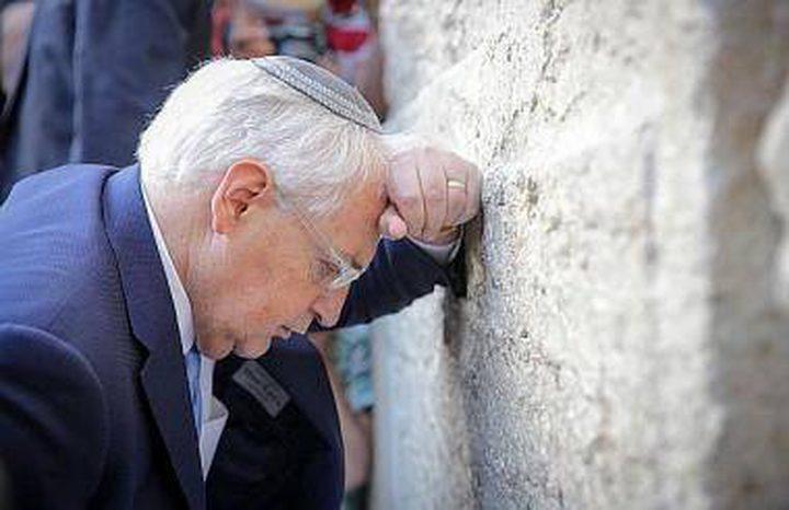الإعلام: مشاركة فريدمان في طقوس تلمودية عند البراق اعتداء على مقدساتنا