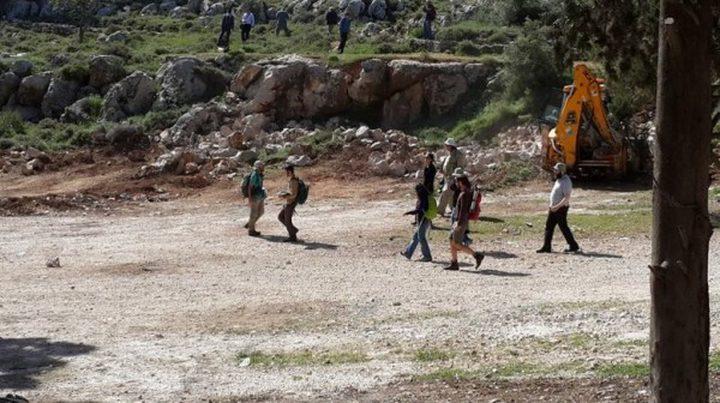 مستوطنون يقتحمون برك سليمان جنوب بيت لحم