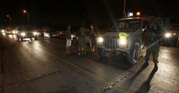 الاحتلال يعيق تحركات المواطنين على حاجز عسكري غرب جنين