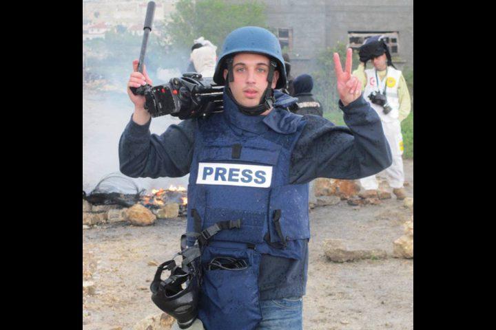 سلطات الاحتلال تفرج عن الصحفي بكر عبد الحق