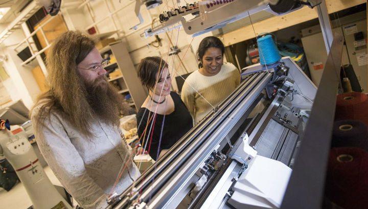 برنامج يحول آلات الحياكة إلى طابعات ثلاثية الأبعاد!