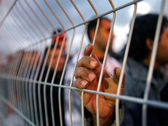 5 أسرى يدخلون أعوامًا جديدة في سجون الاحتلال