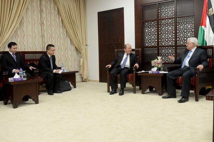 الرئيس يستقبل وفد اللجنة المركزية للحزب الشيوعي الصيني