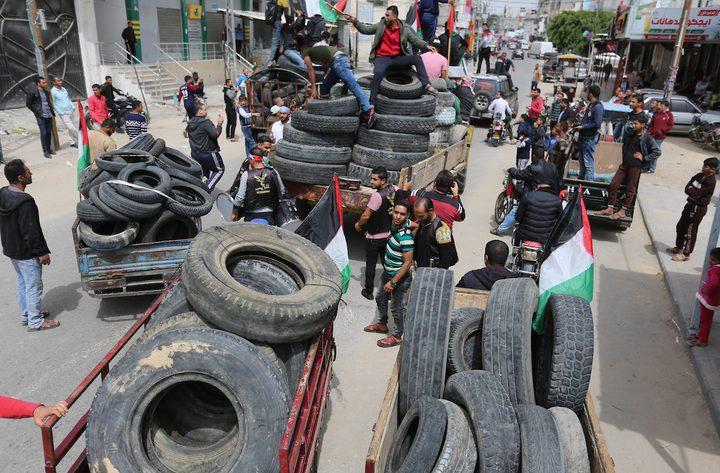 الاحتلال يقرر منع إدخال إطارات السيارات والشاحنات لغزة