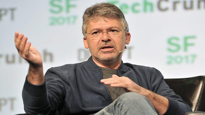 """آبل"" تتعاقد مع خبراء ""غوغل"" السابقين!"