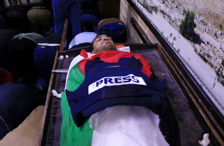 """ليبرمان يعترف ضمنيًا بقتل الصحافي """"ياسر مرتجى"""" ويُهدّد بقصف غزة"""