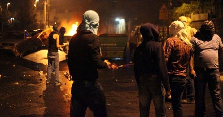 """مواجهات مع قوات الاحتلال في بلدة """"قطنة"""" شمال غرب القدس"""