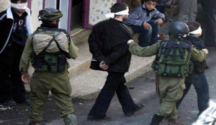 """قوات الاحتلال تعتقل شابًا فلسطينيًا من بلدة """"نعلين"""" غرب رام الله"""