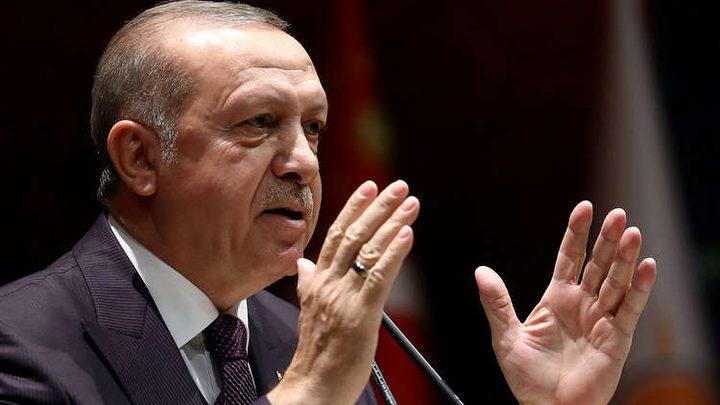 """أردوغان: فرنسا تؤوي """"إرهابيين"""" في قصر الإليزيه"""