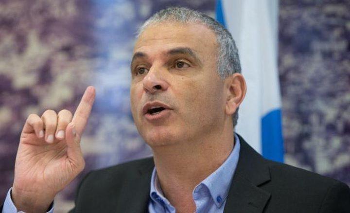كحلون يزعُم: لا يوجد أبرياء عند حدود غزة