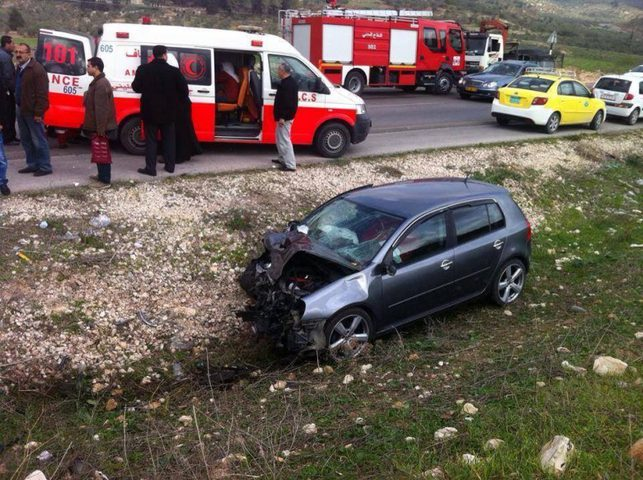 إصابة 14 مواطنا في حادث سير جنوب جنين