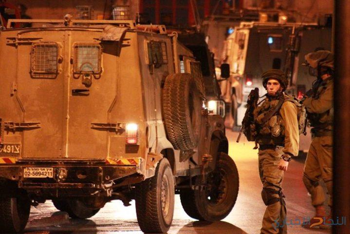 حملة اعتقالات طالت 28 مواطناً في مختلف محافظات الضفة