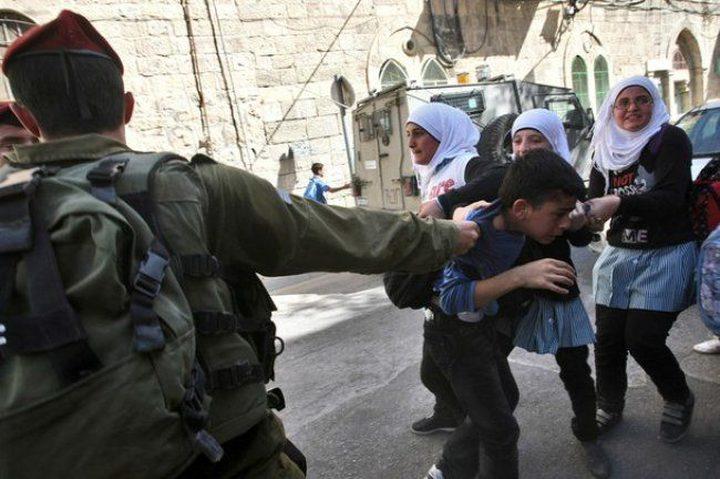 مؤسسات حقوقية: الاحتلال اعتقل 609 فلسطيني خلال آذار