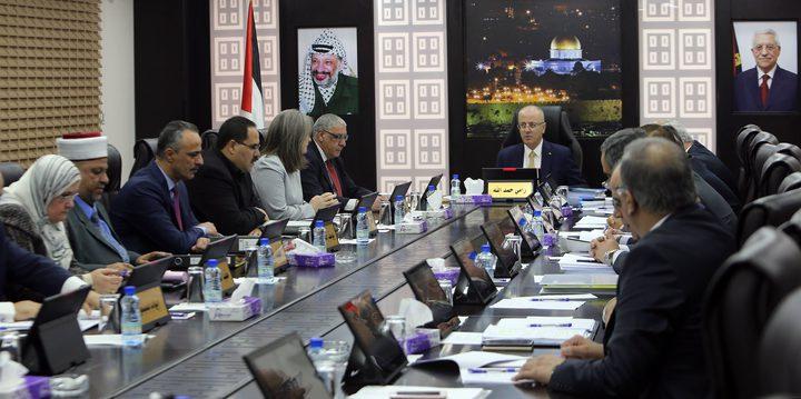 مجلس الوزراء يطالب بتحقيق عاجِل في جرائِم الاحتلال
