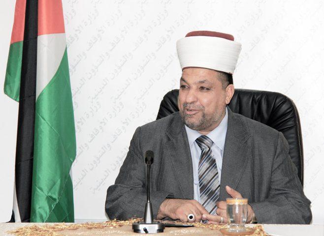 ادعيس يطلع اللّورد البريطاني صادق أحمد على الانتهاكات الإسرائيليّة