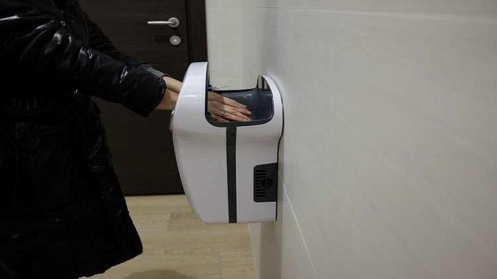 """مجففات الأيدي في المراحيض العامة قد تكون """"قاتلة""""!"""